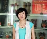 辽宁鞋厂周女士感叹网上采购超纤皮革很方便